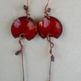 Pendientes cobre y esmalte rojos