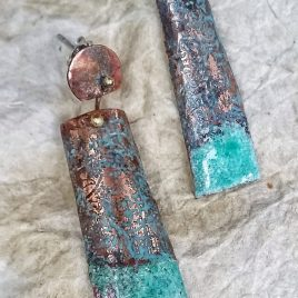 Pendientes cobre grabados